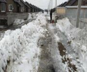 Новости регионов. Жители микрорайона Солнечный-2 не могут выйти из домов из-за талых вод